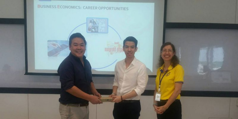 Business Economics Major held a meeting