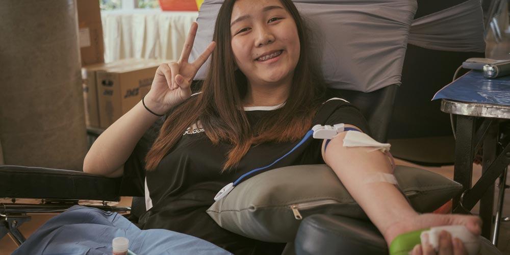 MUIC Community Donates Blood