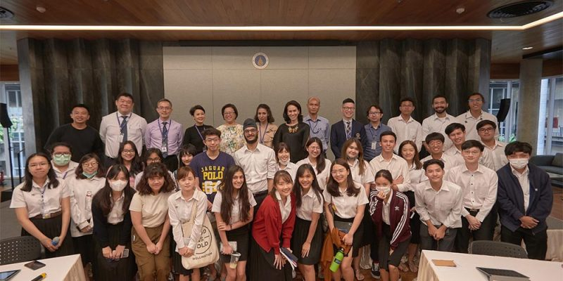 MUIC Student Leaders Meet with Dean and Other College Officials
